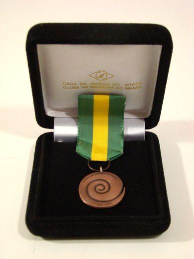Medalha dada aos homenageados