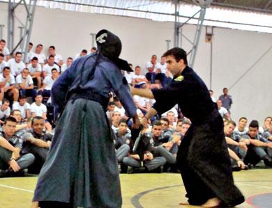 Kenjutsu na Academia Barro Branco, defesa pessoal